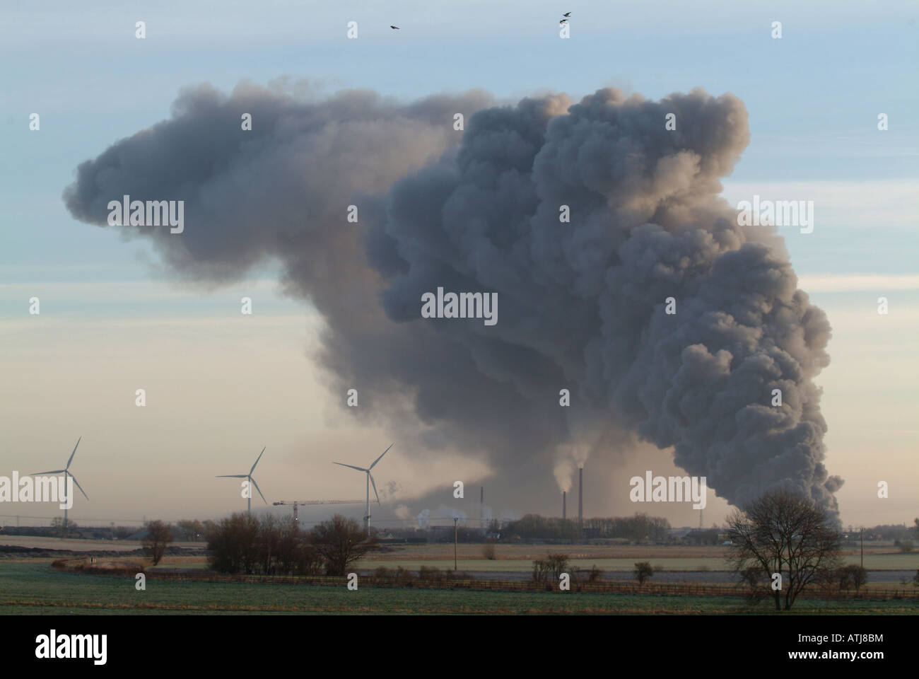 Pall of smoke from Abbey Warehouse fire - Stock Image