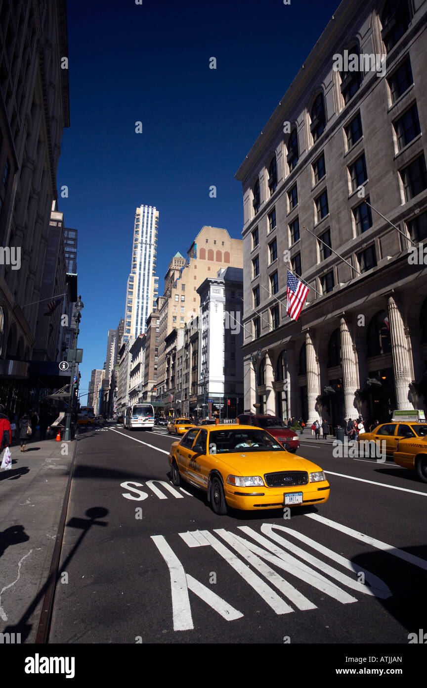New York street with Taxicab - Stock Image