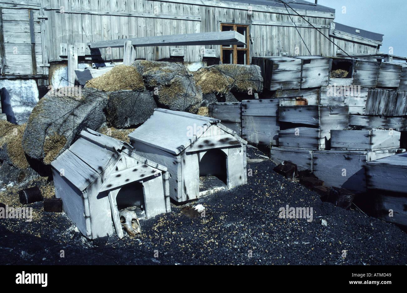 Dog kennels outside Shackletons historic hut Cape Royds Ross Island Antarctica - Stock Image