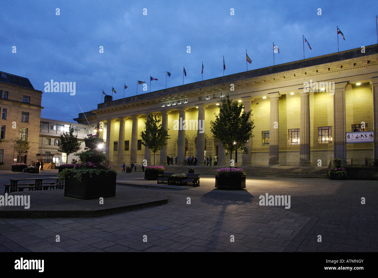 The Dundee Caird Hall at night - Stock Image