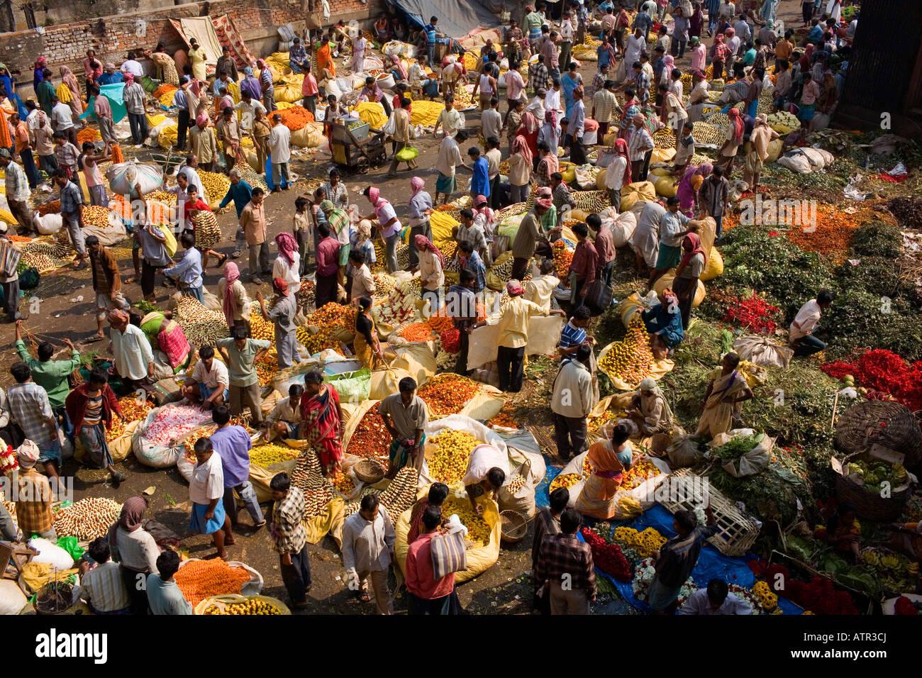 A Kolkata flower market. - Stock Image