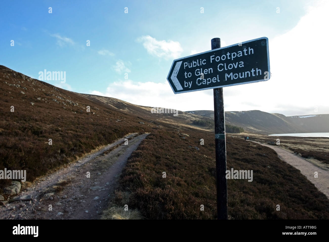sign pointing to the footpath to glen clova by capel mounth at glen