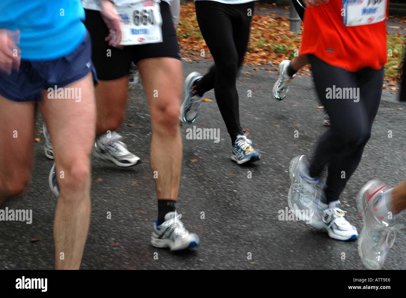Beine von Läufern legs of runners Bildagentur online Begsteiger - Stock Image