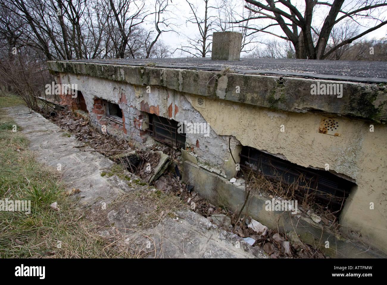A run down decrepit building - Stock Image