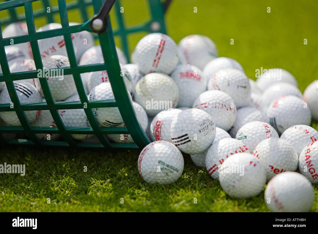 golf balls basket stock photos golf balls basket stock images alamy rh alamy com Bucket of Golf Balls Golf Theme Wrapping Basket