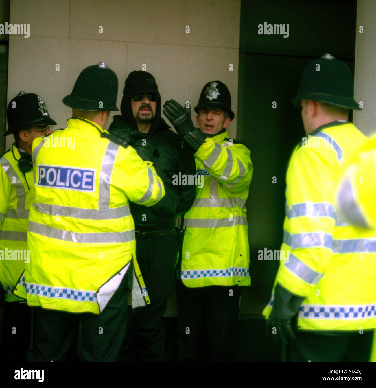 Stop and search of suspected terrorist in central London,  February 2003 - Stock Image