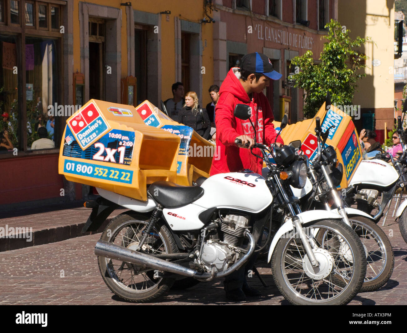 Pizza Delivery Stock Photos & Pizza Delivery Stock Images ...
