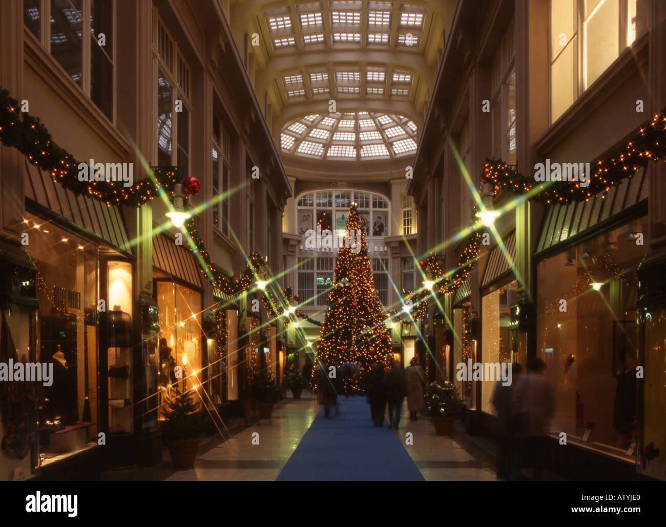 m dler passage leipzig weihnachten weihnachtsbaum. Black Bedroom Furniture Sets. Home Design Ideas