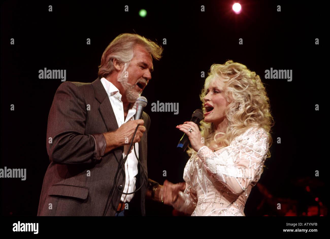 Kenny Rogers Dolly Parton Stock Photos & Kenny Rogers Dolly Parton ...