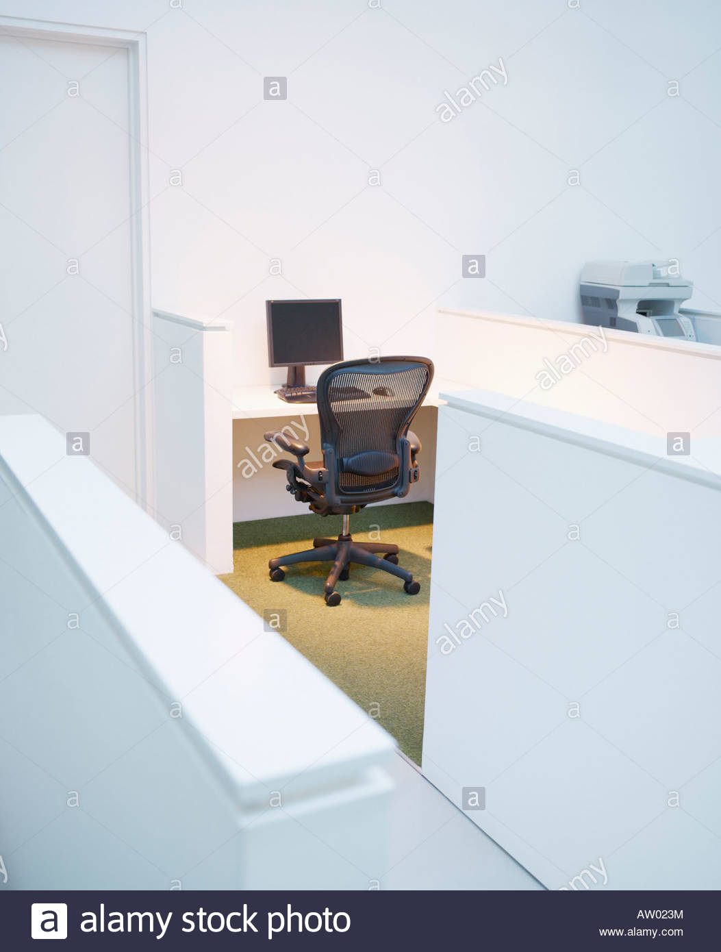 Empty office cubicle - Stock Image