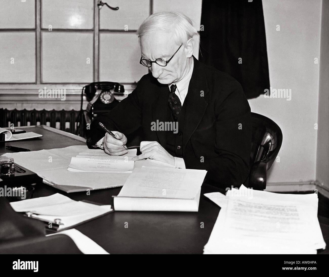 SIR WILLIAM BEVERIDGE 1879 to 1963  British economist and social reformer  in 1942 - see description below - Stock Image