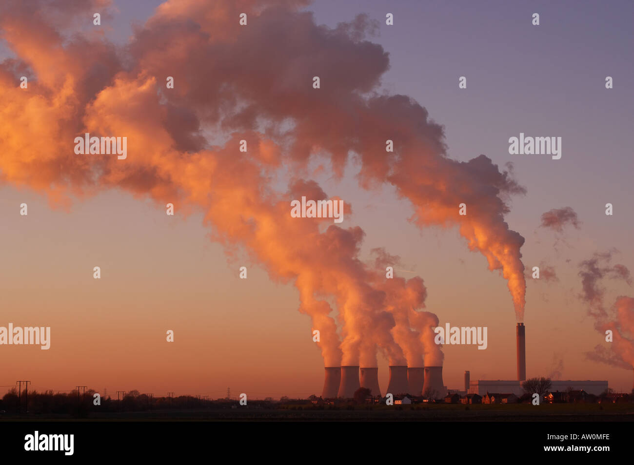 DRAX COAL FIRED POWER STATION AT SUNSET SELBY NORTH YORKSHIRE ENGLAND Stock Photo