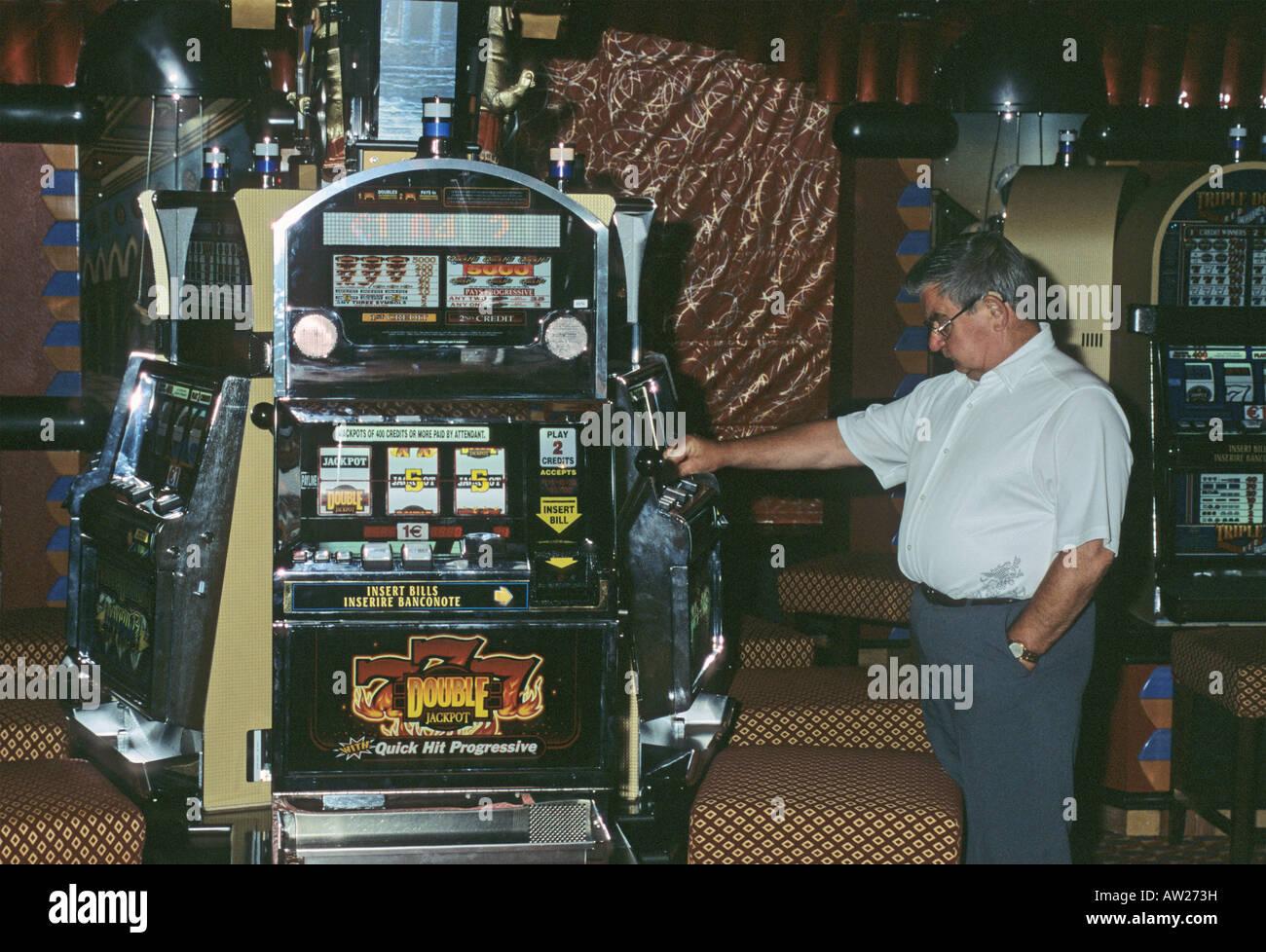 seneca casino money exchange