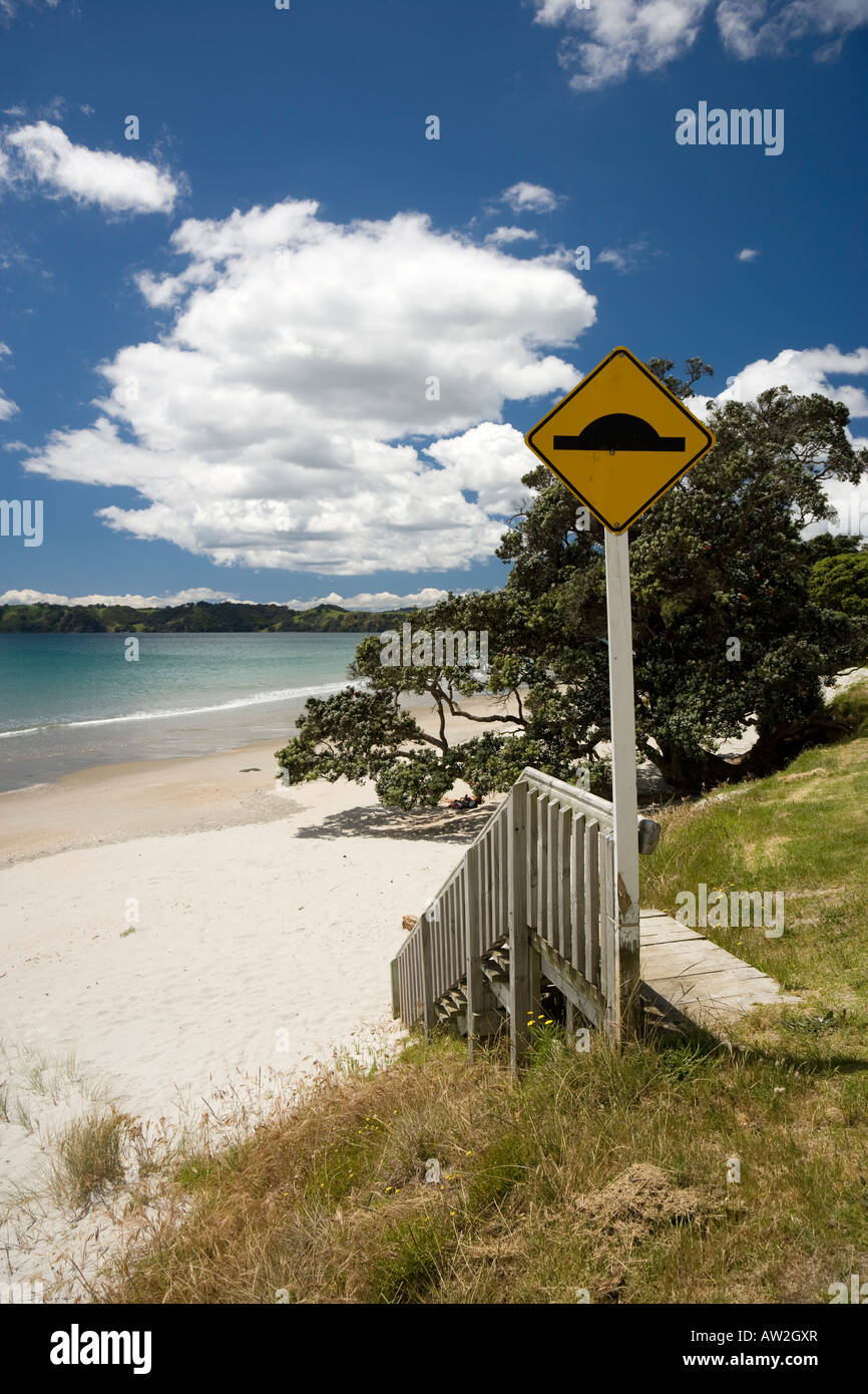 beach scenes on ontangi beach, waiheke stock photo: 16444606 - alamy
