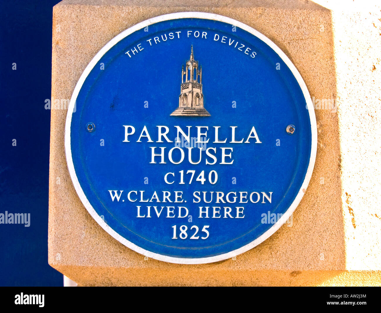 Blue plaque on wall of Parnella House circa 1740 50 in Devizes Wilts England UK EU - Stock Image