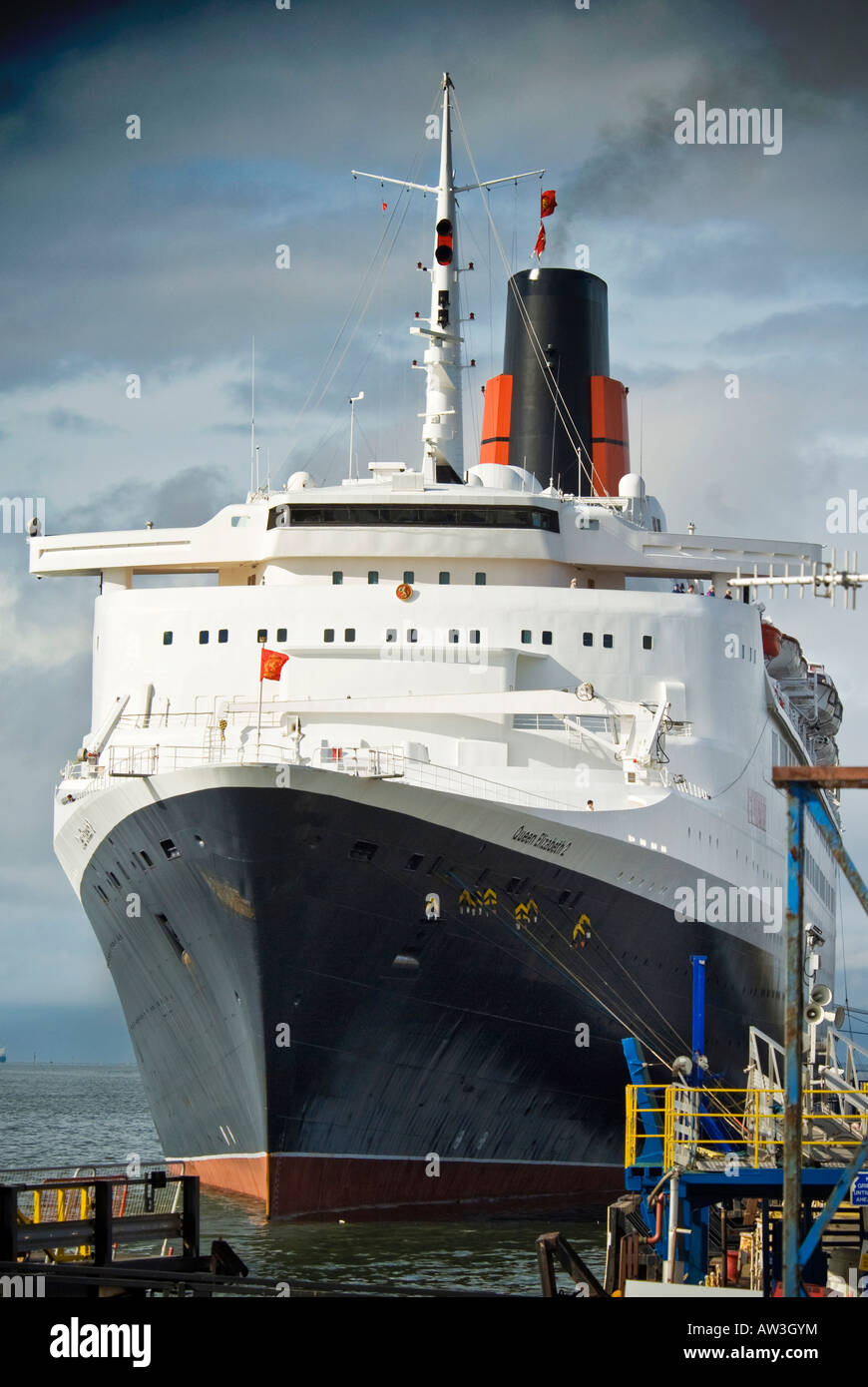 The QE2 berthed at Liverpool. - Stock Image
