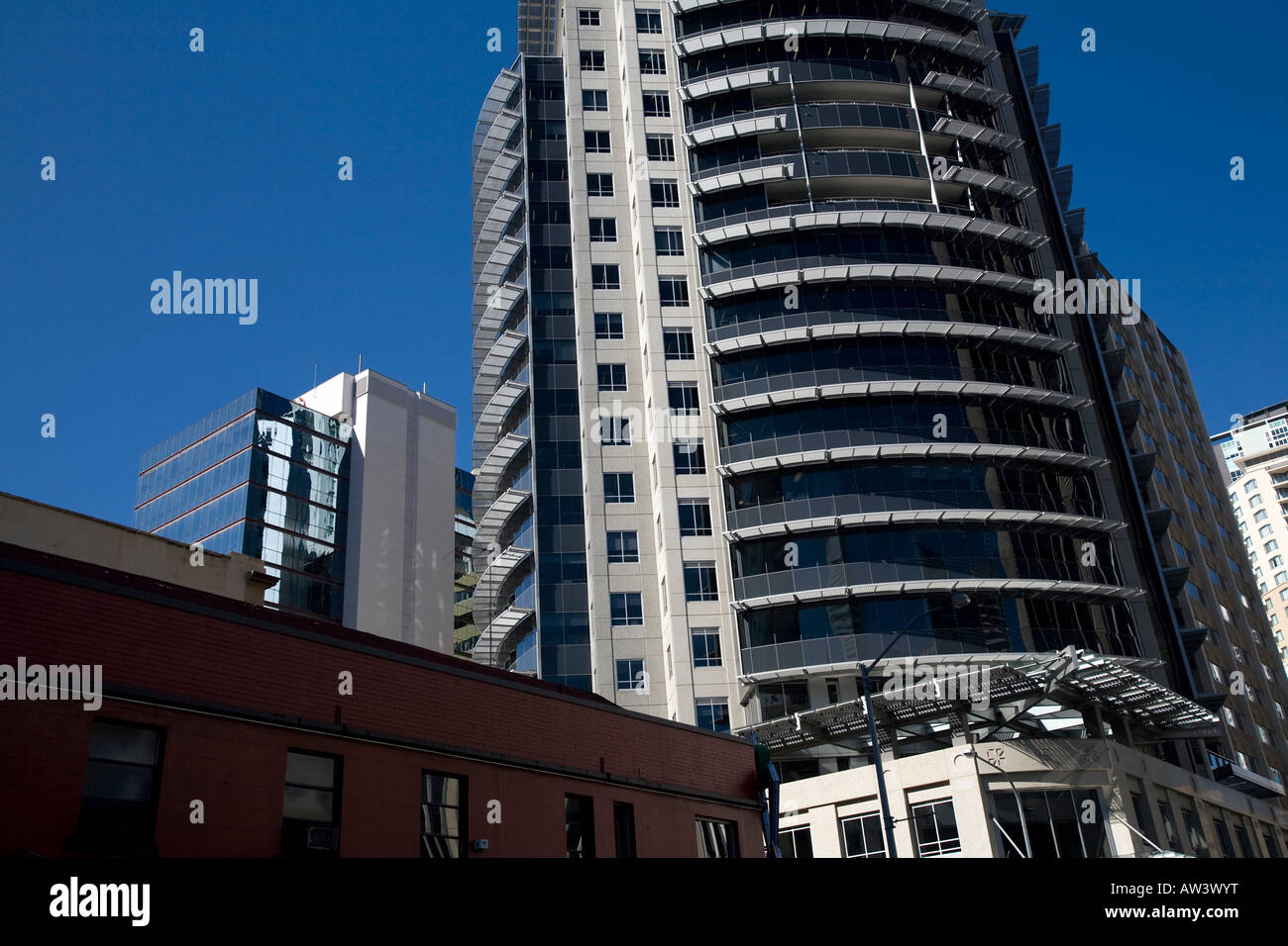 brisbane CBD and residential high rise apartments on edward street. - Stock Image
