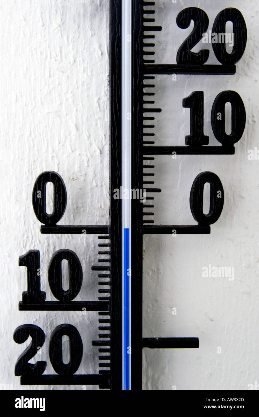 Outside temperature meter at 0 degrees celcius - Stock Image