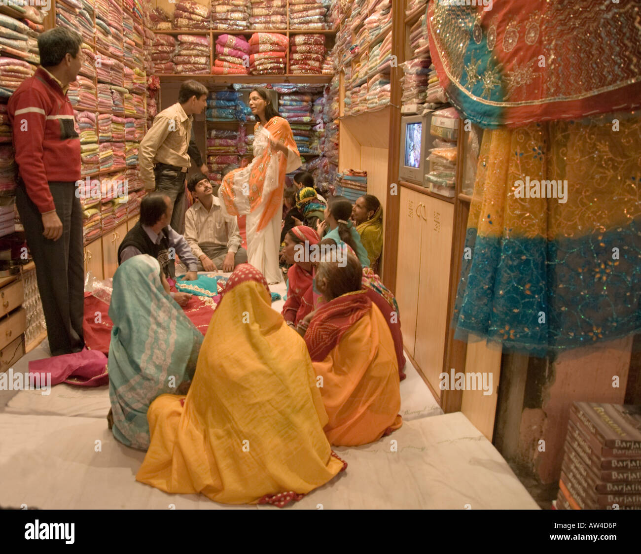 94841e9aa5 Women shopping for saris in a shop in Jaipur, India Stock Photo ...