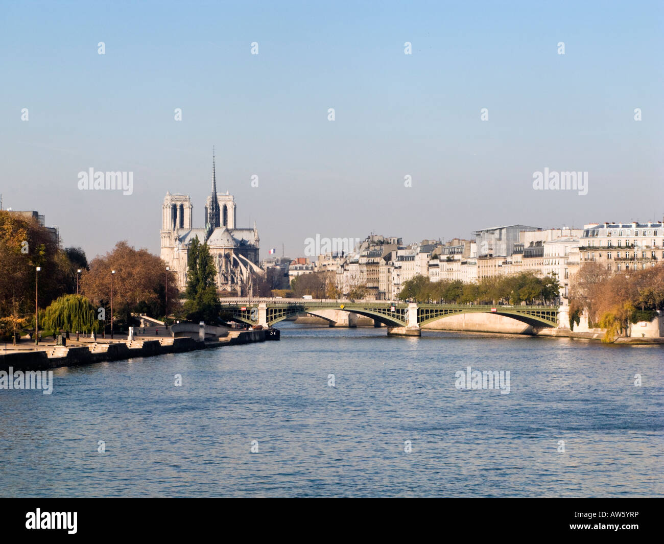 Pont de Sully River Seine Notre Dame Cathedral and the Ile Saint Louis - Stock Image