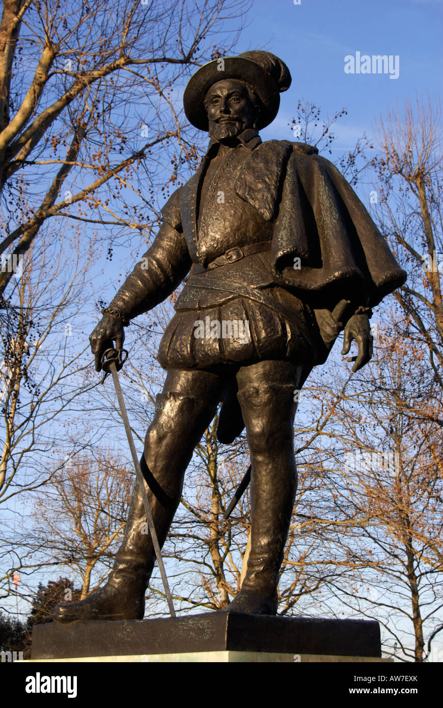 bronze statue of Sir Walter Raleigh  at Greenwich - Stock Image