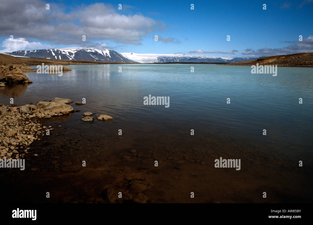 PICTURE CREDIT DOUG BLANE Langjokull glacier and lake just north of Gullfoss - Stock Image