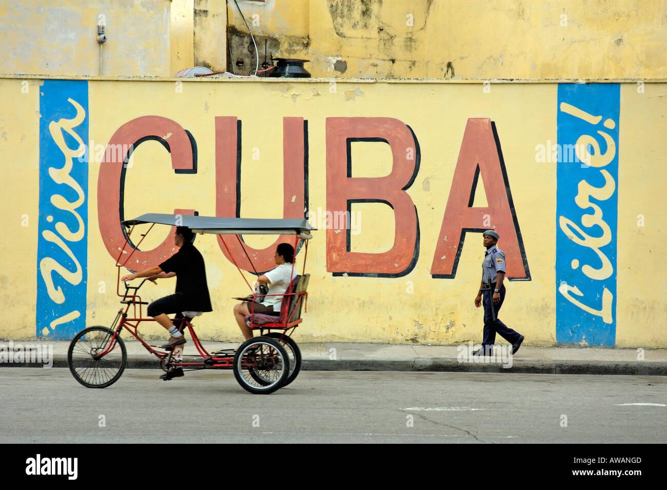Viva Cuba, Cuba Libre in old Havana, Cuba Stock Photo: 9440716 - Alamy