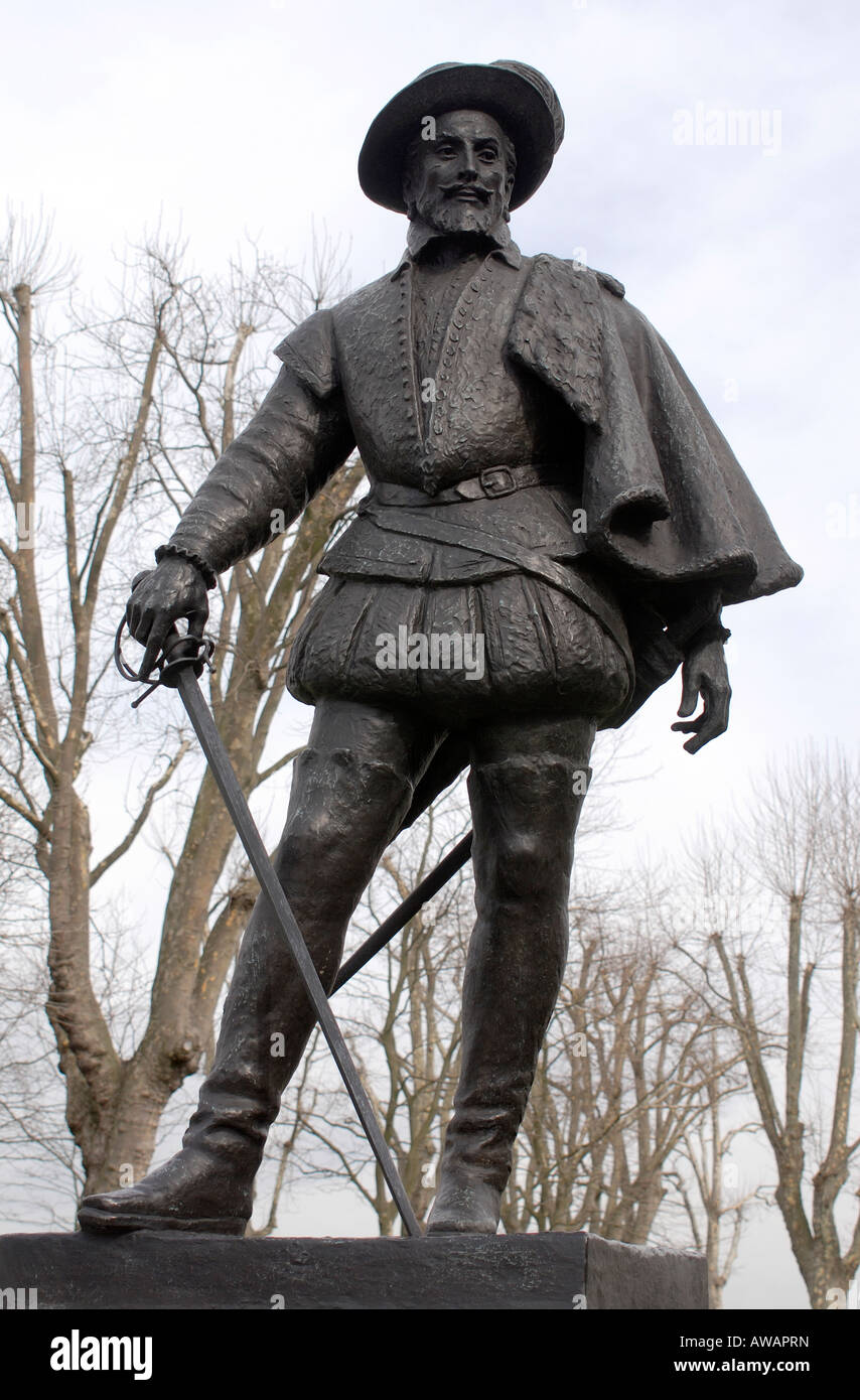 Statue of Sir Walter Raleigh or Ralegh at Greenwich on the south bank of the River Thames, London. - Stock Image