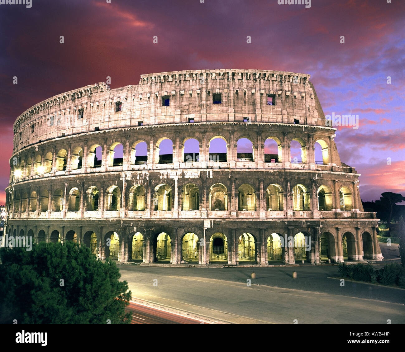 IT - ROME: The Colosseum by night - Stock Image