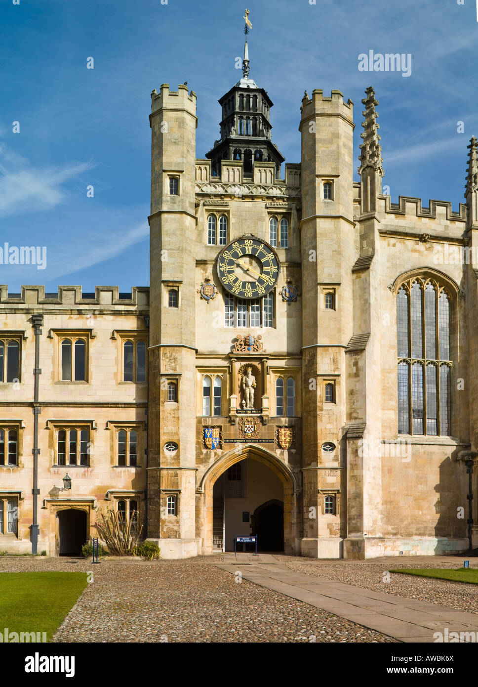 The  Clock Tower, or King's Gate, the Great Court, Trinity College, Cambridge, England - Stock Image
