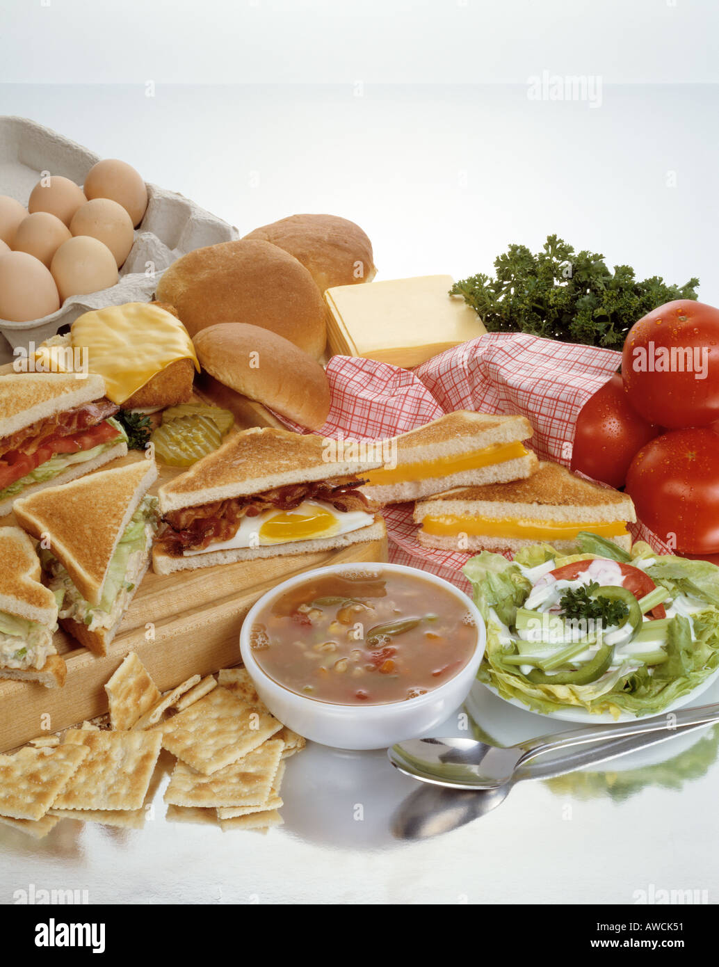 assorted soup sandwiches sandwich combos vegetable toasted cheese bacon egg chicken salad blt lettuce tomato tomatoes Stock Photo
