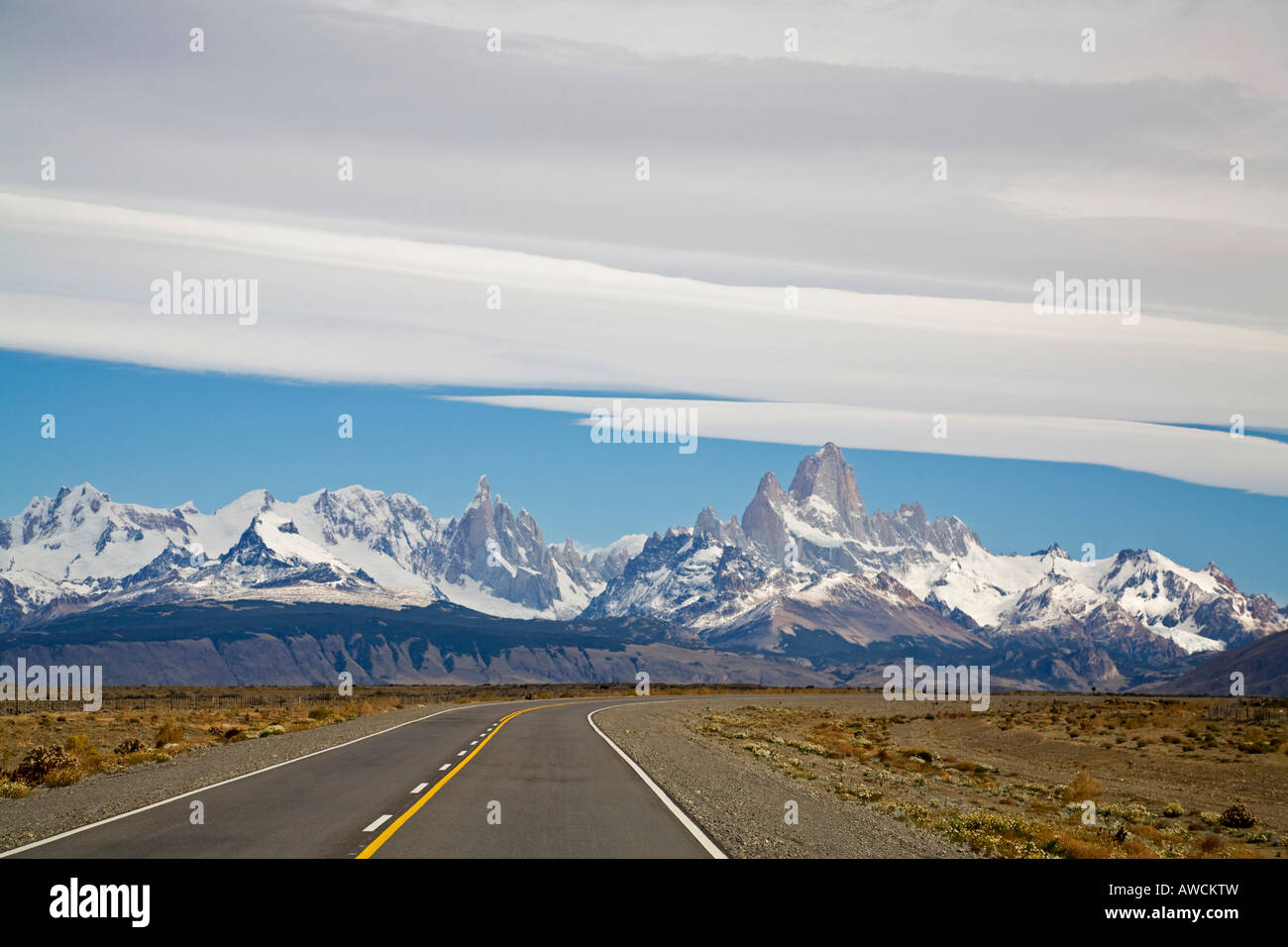 Road Ruta 40 to the Fitz Roy massiv, Argentinia, Patagonia, South America - Stock Image