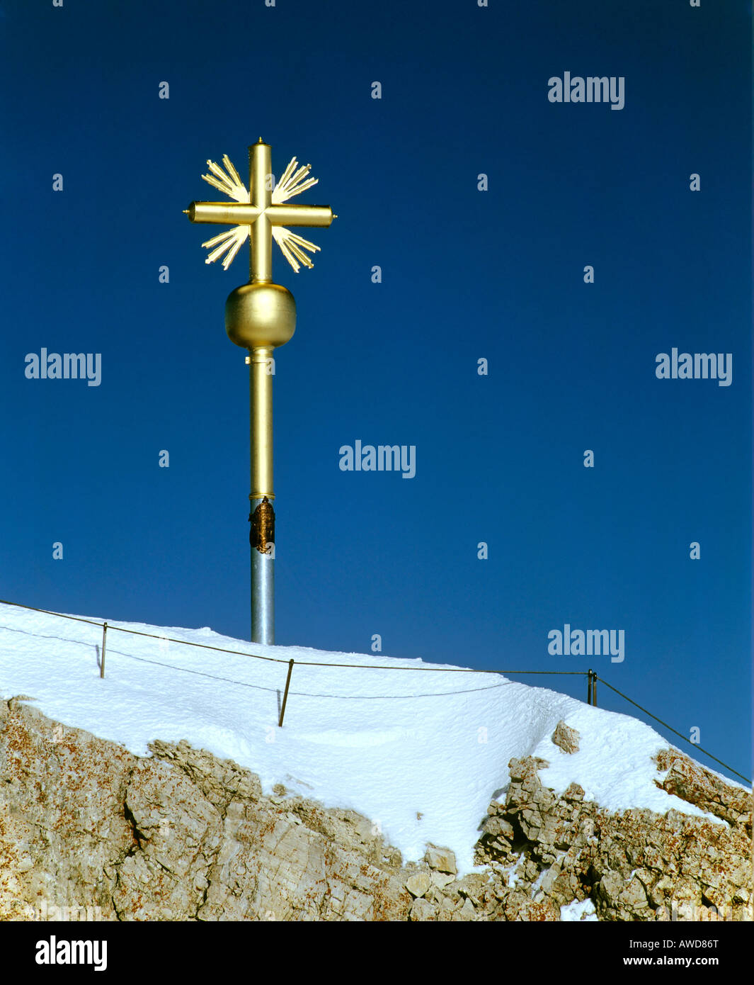 Summit cross at 2962 m or 9718 ft on the Zugspitze, Germany's highest mountain, Wetterstein Range, Werdenfels - Stock Image