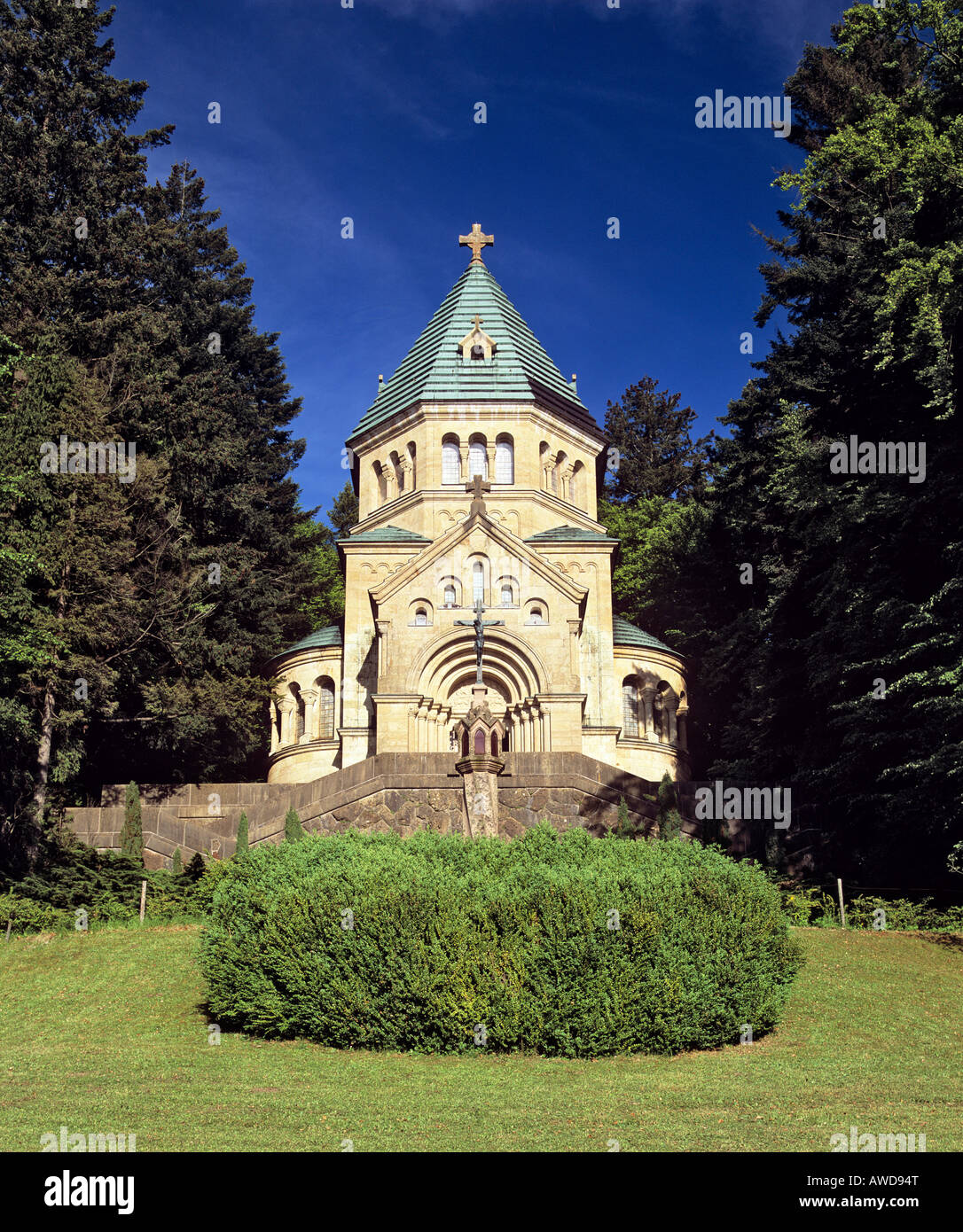 Votive chapel at Lake Starnberg, site where King Ludwig II of Bavaria was found dead, Upper Bavaria, Germany Stock Photo