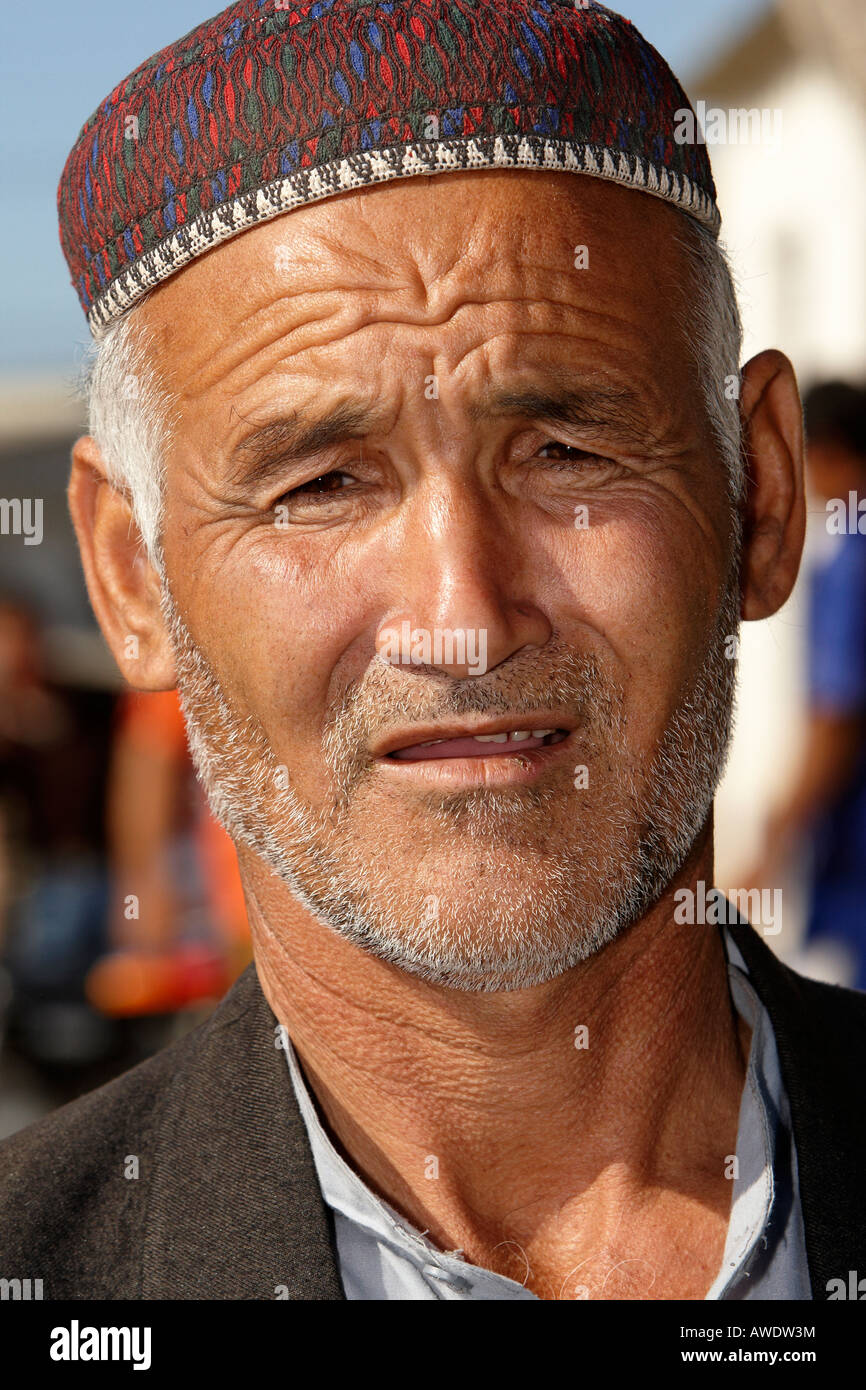 Iranian man with traditional hat Stock Photo  16550839 - Alamy fef57f88a9f