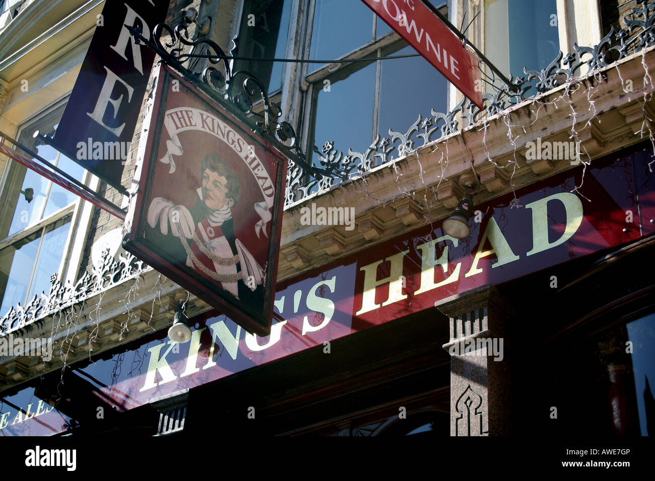 Kings Head theatre pub sign in Islington, London - Stock Image