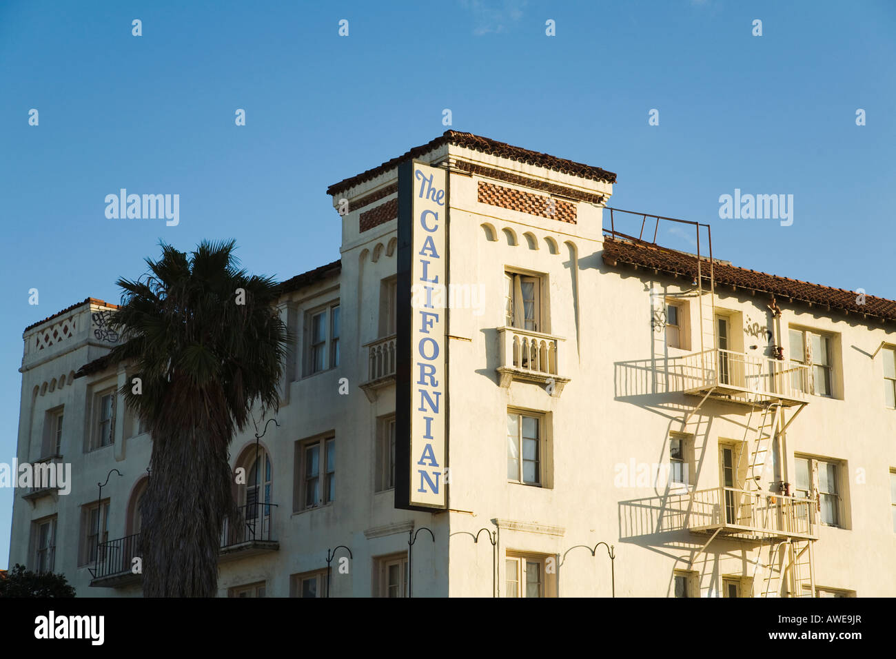 CALIFORNIA Santa Barbara Sign on the Californian Hotel fire escape on four story brick sculpture rebuilt after 1925 - Stock Image