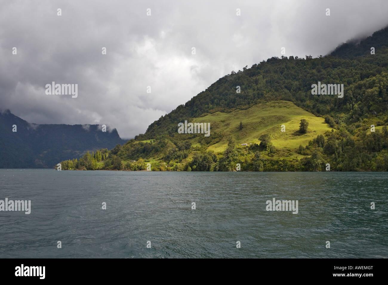 Sparsely populated shore of Lago Todo los Santos, Vicente Pérez Rosales National Park, Region de los Lagos, - Stock Image