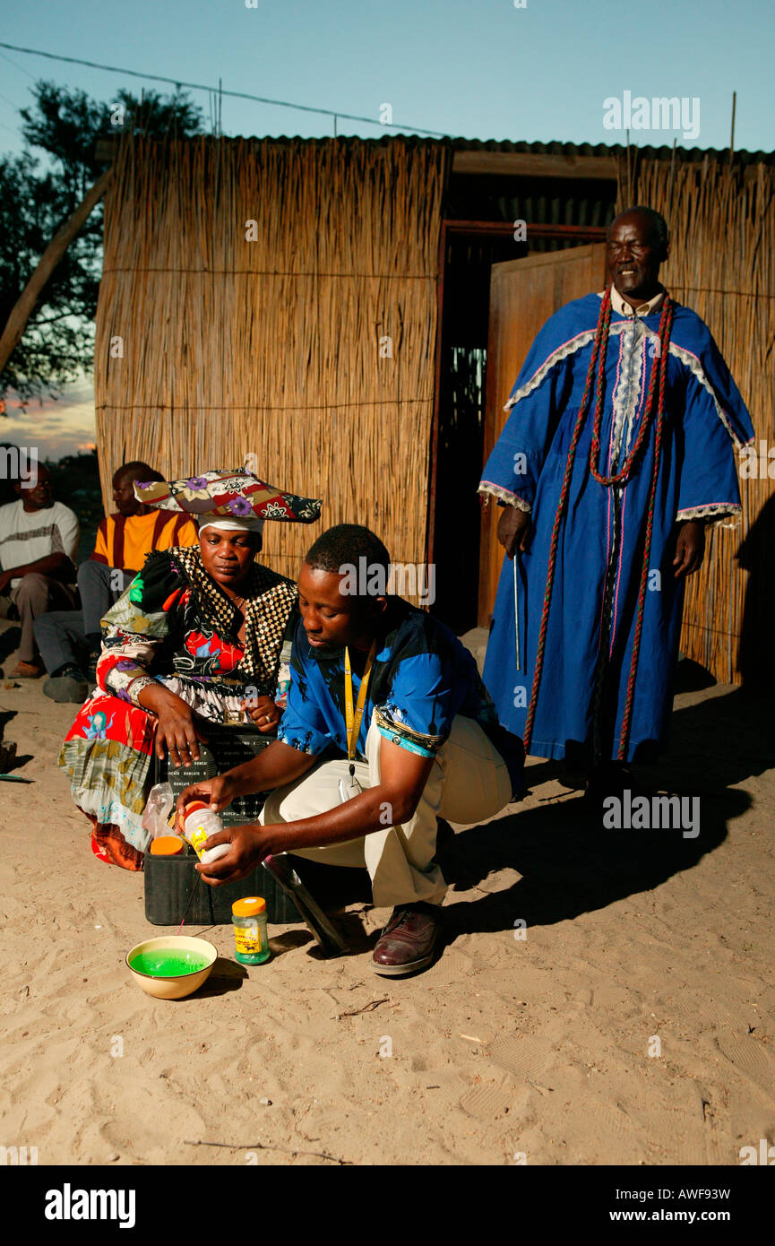 Faith healer preparing medicines, Pentecostal community, Sehitwa, Botswana, Africa - Stock Image