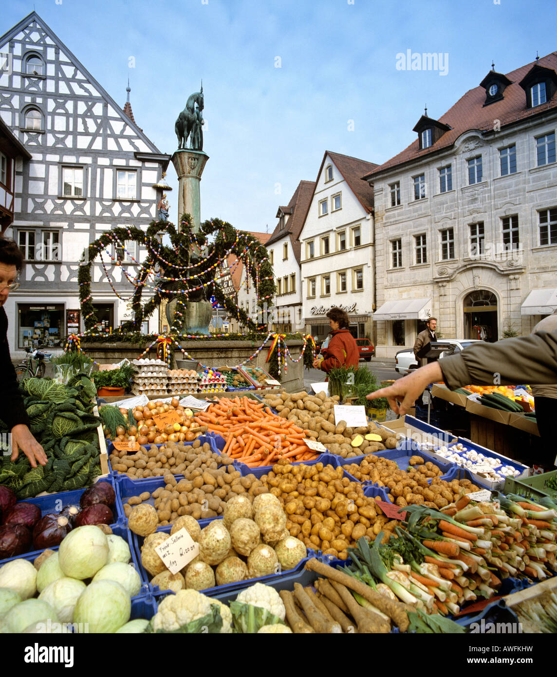 Produce stand at the market square in Forchheim, Upper Franconia, Bavaria, Germany, Europe - Stock Image
