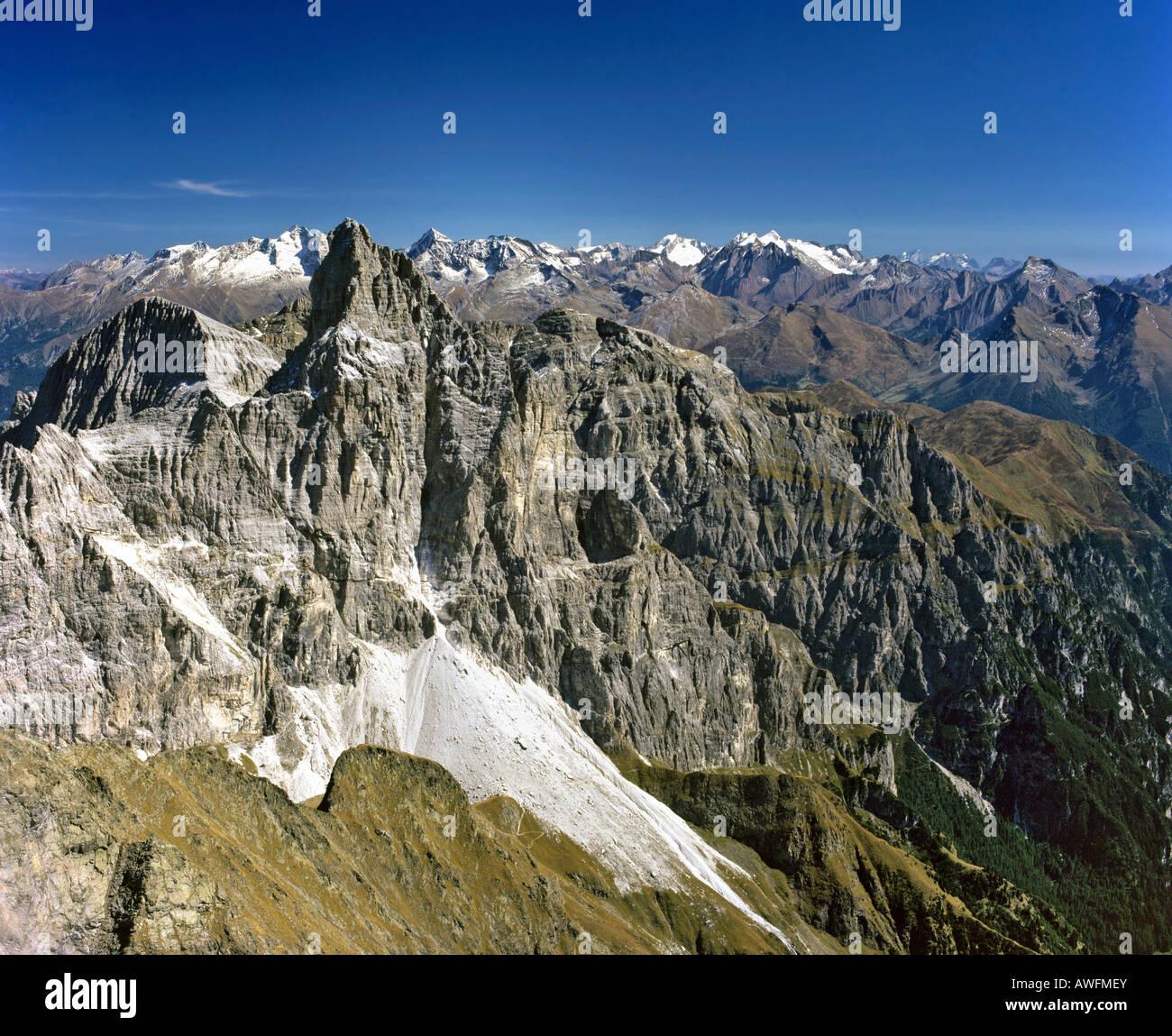 Pflerscher Tribulaun, Stubaier Alps, in the background Zillertaler Alps, border between South Tirol, Austria and - Stock Image
