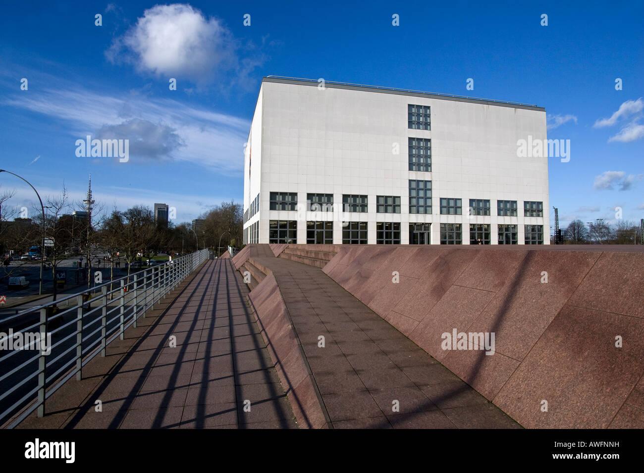 New building of the art museum Hamburger Kunsthalle - Gallery of the present - city of Hamburg - Hamburg, Germany, - Stock Image