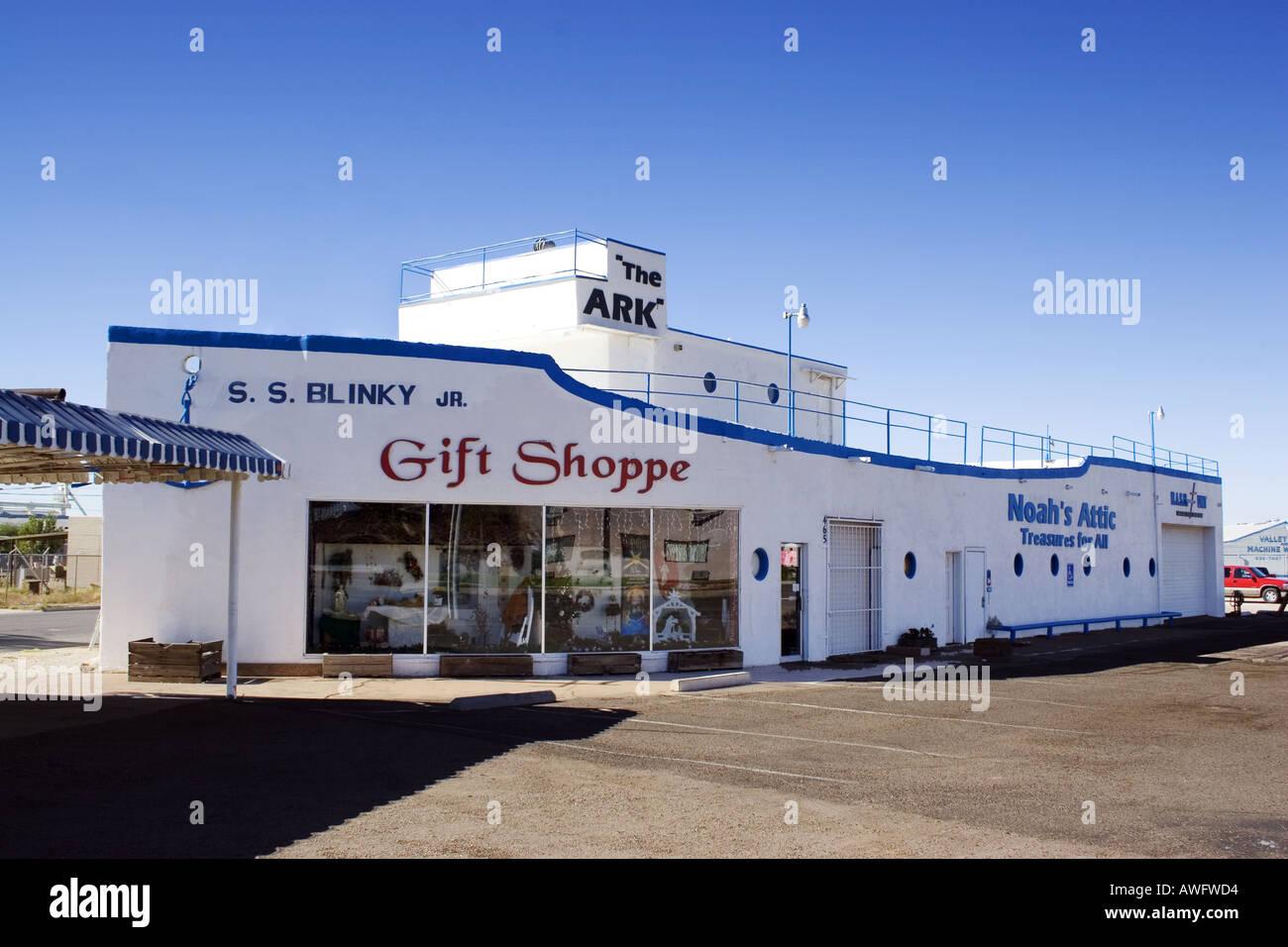 Noahs Attic The Ark gift shop building shaped like a ship in Casa Grandre Arizona - Stock Image