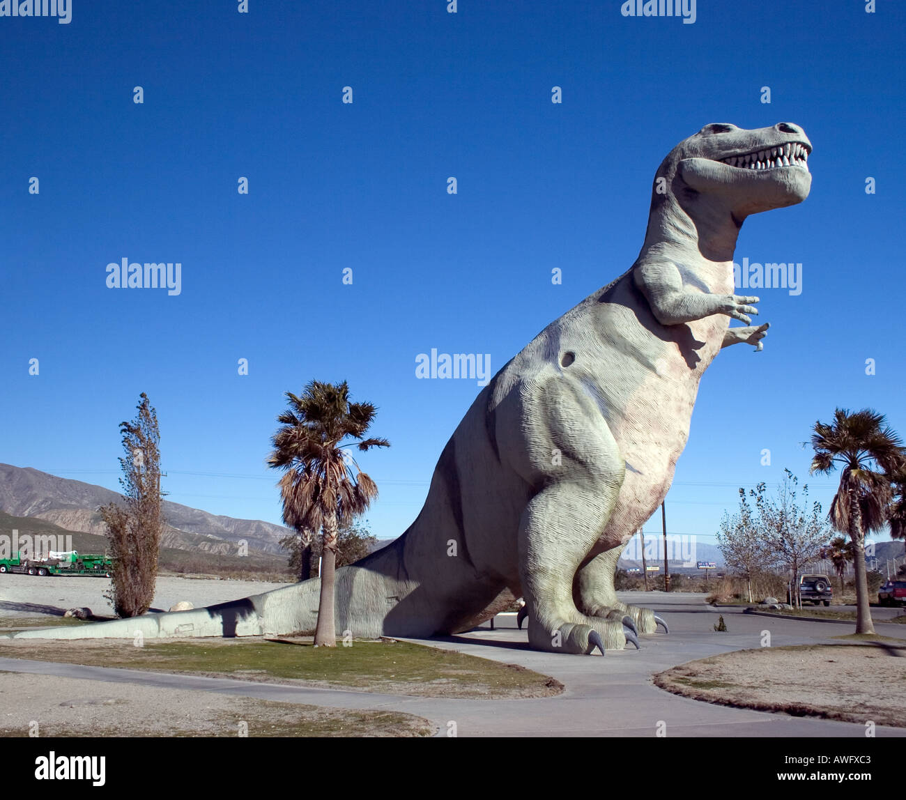 The World s Biggest Dinosaurs are located in Cabazon California west of Palm Springs - Stock Image