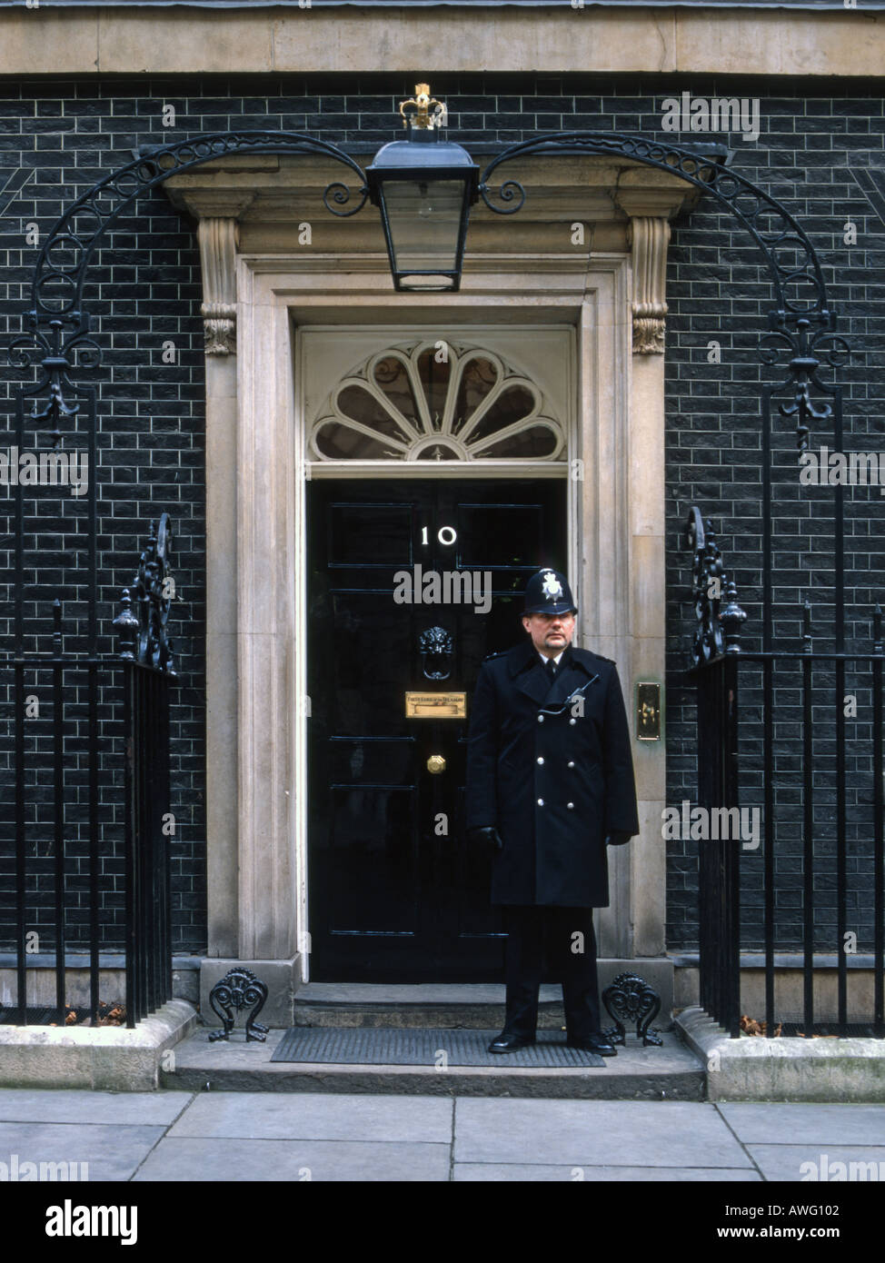 Britains most famous front door 10 downing st - Stock Image
