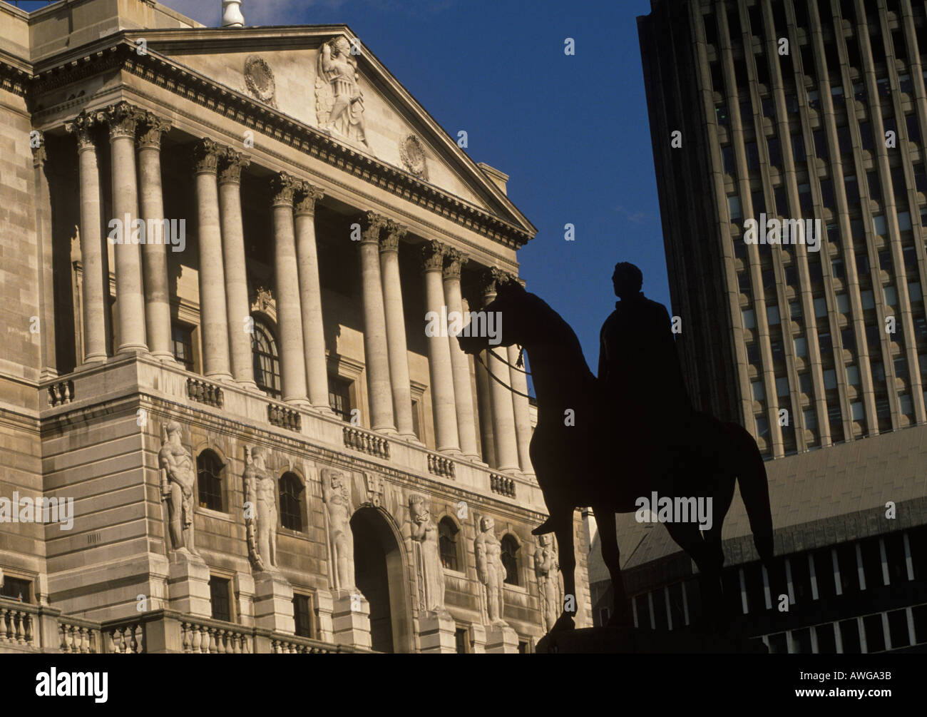 Bank of England The City of London Britain UK.  Statue of the Duke of Wellington. HOMER SYKES - Stock Image