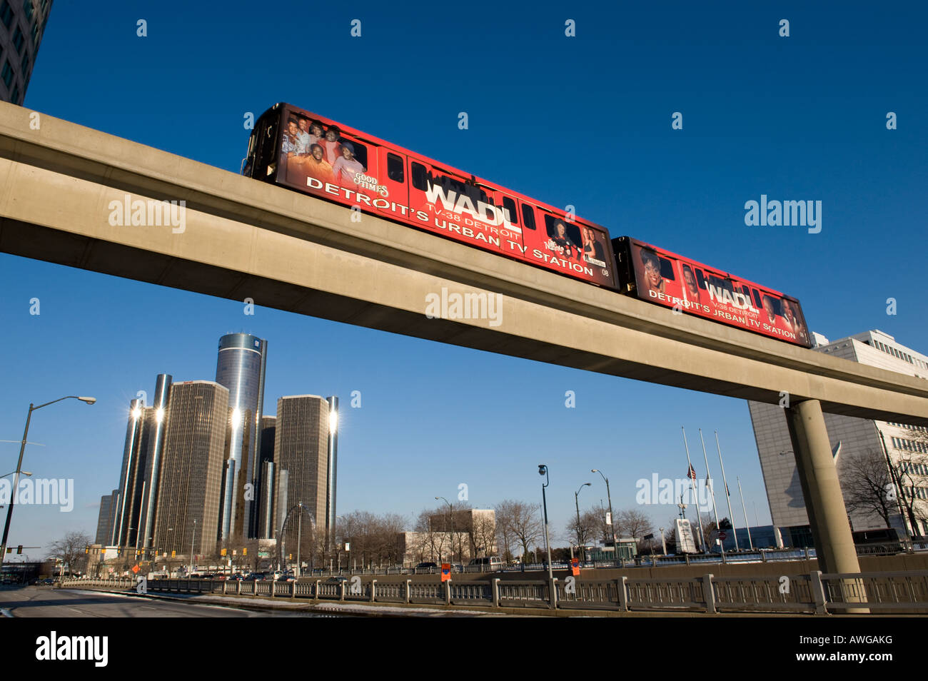 Detroit People Mover with the Renaissance Center - Stock Image