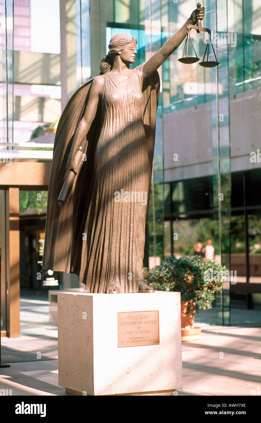 Canada, Pacific Northwest, British Columbia, Vancouver, Downtown, Law Courts, statue of Themis Goddess of Justice - Stock Image