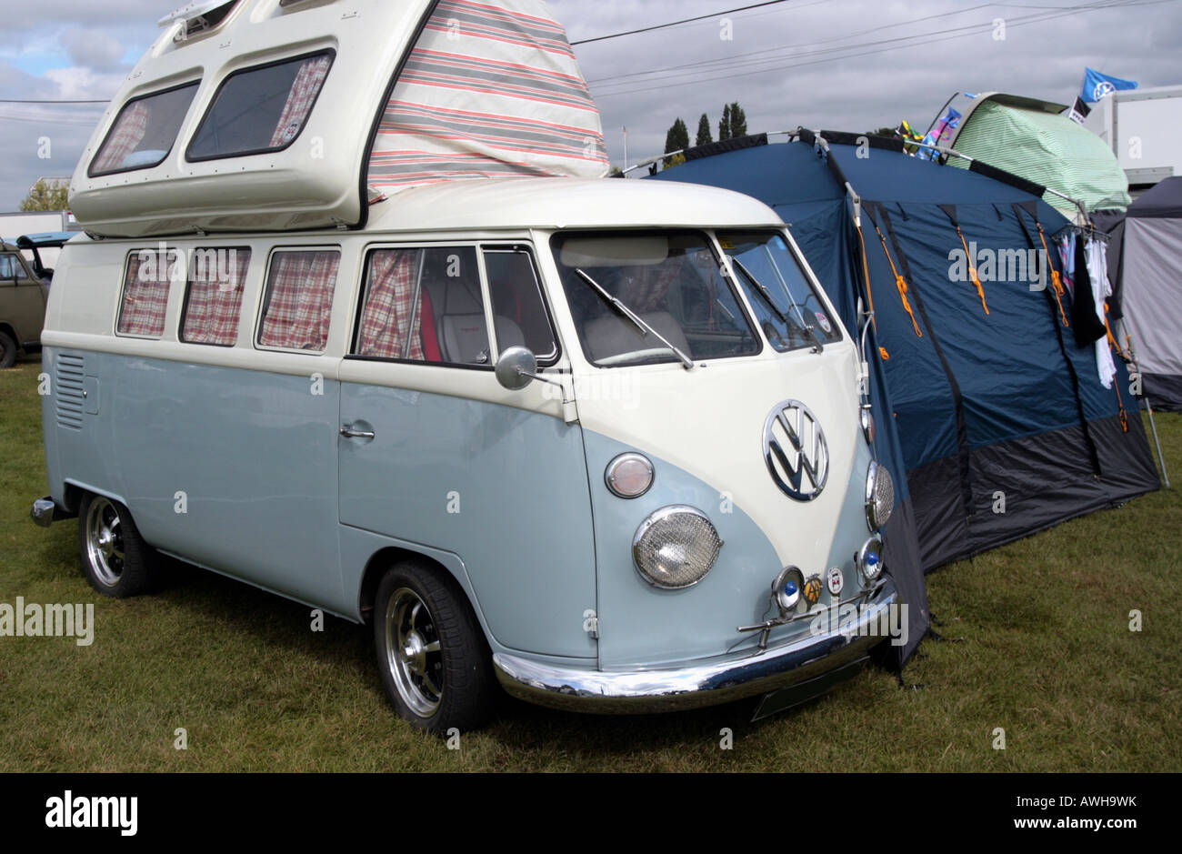 27ce1302e01ba0 The Kombi Volkswagen Camper Van model is a utility vehicle that has  achieved both classic and cult status during its production