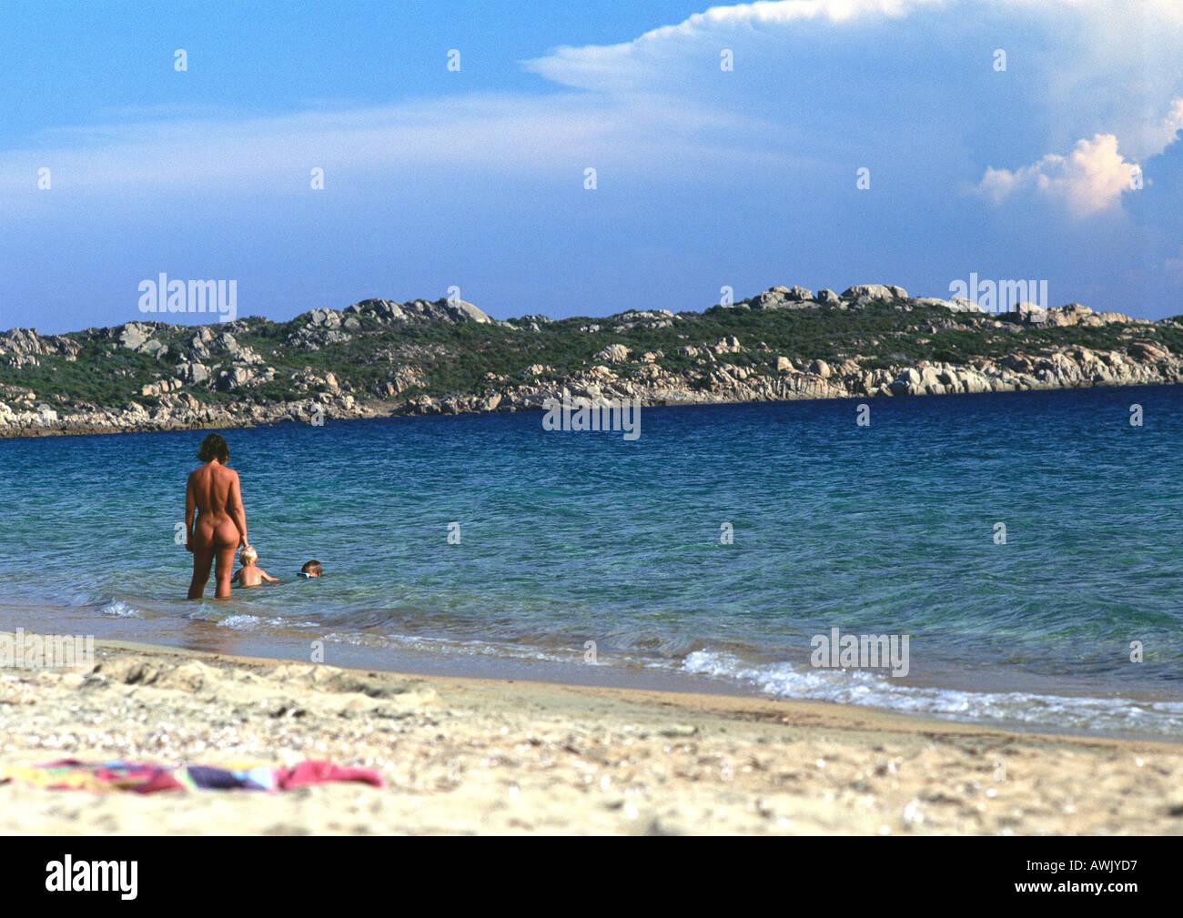 Francija, Korzika, Ljudje Wading na goli Beach Stock Photo-6582